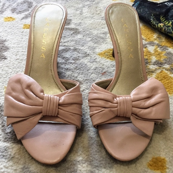 capressa Shoes - NWOT Pink Kitten Heels